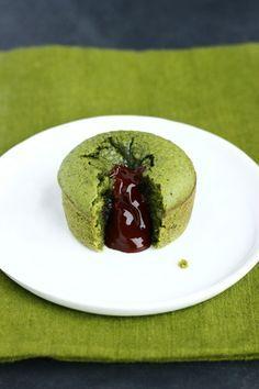 C'est une recette que j'ai inventé pour assouvir ma passion du chocolat et du matcha! Un dessert gourmand et esthétique.