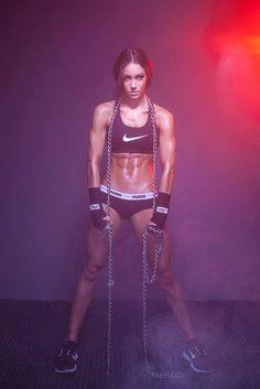 Fitness Diva: Austrian Fitness Model Stephanie Davis Talks with TheGymLifestyle.com