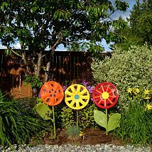 Hometalk :: All you need to make some fun, inexpensive yard art are some roadside… FOR ALL THOSE WHO ARE 'LUCKY' 2 ALWAYS HAVE ONE FALL OFF IN FRONT OF YOUR HOME, I HAVE THROWN AWAY ONE TOO MANY...NOW HERE IS SOMETHING TO DO WORTHWHILE WITH THEM