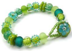 Vista Bracelet by rubytwoshoes, via Flickr