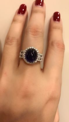 Tips for Buy Sell Jewelry & Diamonds.How to Buy sell your used jewelry,jewelry and engagement ring online? Sapphire Jewelry, Diamond Jewelry, Gold Jewelry, Jewelry Accessories, Fine Jewelry, Jewelry Design, Jewellery, Diamond Finger Ring, Gold Diamond Rings