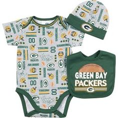 Green Bay Packers Infant Holiday Bib and Burp Set - White