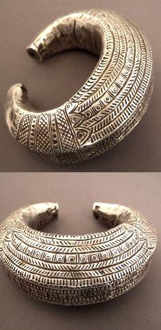 Joias Étnicas... Pulseira antiga de design simples em Prata ,Oman
