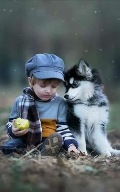 Things that make you go AWW! Like puppies, bunnies, babies, and so on. A place for really cute pictures and videos! Dogs And Kids, Animals For Kids, Cute Baby Animals, Animals And Pets, Precious Children, Beautiful Children, Children Photography, Animal Photography, Cute Kids