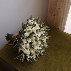 ελιά & τριαντάφυλλα.Ανθοδέσμες Γάμου | Νυφικές Ανθοδέσμες Δεξίωση | Στολισμός Γάμου | Στολισμός Εκκλησίας | Διακόσμηση Βάπτισης | Στολισμός Βάπτισης | Γάμος σε Νησί - στην Παραλία.
