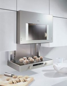 Gaggenau Lift Oven for the dream kitchen Kitchen Dinning, Kitchen And Bath, New Kitchen, Micro Kitchen, Kitchen Gadgets, Kitchen Appliances, Oven Design, Kitchen Design, Cocinas Kitchen