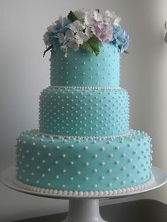Wedding cake with Tiffany Blue fondant icing 💙 Beautiful Wedding Cakes, Gorgeous Cakes, Pretty Cakes, Amazing Cakes, Tiffany Blue Cakes, Tiffany Green, Occasion Cakes, Fancy Cakes, Creative Cakes