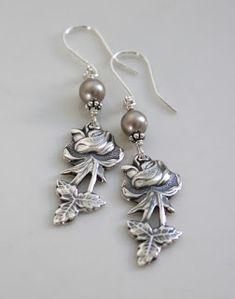 Koruna, hopeatyöt, hopeakorut, lusikkakorut, uusiokorut, kierrätyskorut, korvakorut, handmadejewelry, silverjewelry, silverspoonjewelry, spoonjewelry, earrings