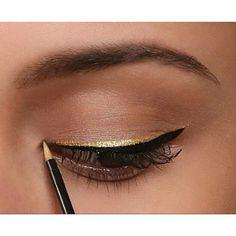 Attractive Gold Eyeliner Ideas - Glam Bistro