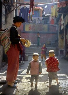 Fan Ho's Street Photography in Dreamy Colour: 1954-2004