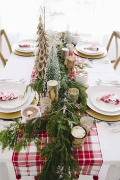 How to Create Beautiful Christmas Tablescapes - Planning to host Christmas dinner? Find out here how to create beautiful Christmas tablescapes that will keep your guests reminiscing all years. Magical Christmas, Plaid Christmas, Outdoor Christmas, Country Christmas, Beautiful Christmas, Christmas Home, Christmas Holidays, Christmas Wreaths, Elegant Christmas