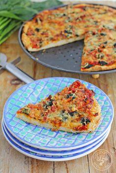 Cocinando entre Olivos: Pizza de espinacas, bacon y queso gorgonzola. Receta paso a paso.