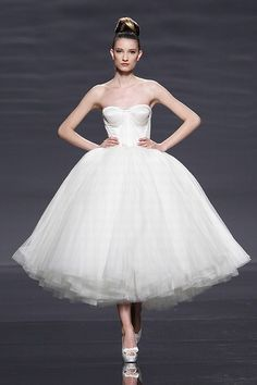 Vestido de novia corto epico de Rosa Clara - Vestidos de novia cortos - enfemenino