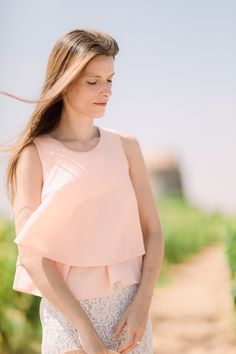 Pink top with white lace skirt  suvellecuisine.com
