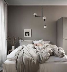 Simple room: ideas for decorating a room with few features - Home Fashion Trend Dream Bedroom, Home Bedroom, Modern Bedroom, Bedroom Rustic, Bedrooms, Home Interior, Interior Design, Blue Bedroom Decor, Minimalist Bedroom