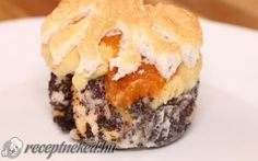 Mákosguba muffin recept fotóval Hungarian Recipes, Just Desserts, Cake Recipes, Goodies, Tasty, Pie, Bread, Snacks, Cooking