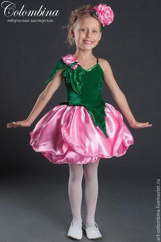 Купить или заказать Костюм розы-52 в интернет-магазине на Ярмарке Мастеров. Карнавальный костюм розы для девочки комплектация: платье, обруч с цветком 134-146+300…