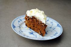 Secret recipe for carrot cake with creme cheese frosting Creme Cheese Frosting, Cake With Cream Cheese, Danish Cuisine, Danish Food, My Recipes, Cake Recipes, Favorite Recipes, Recipies, Cake Cookies