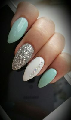 Almond nails White And Silver Hauls Nails with rhinestones Blue nails Acryli … Nail Design Ideas! is part of Almond nails Winter Red - Almond nails White And Silver Hauls Nails with rhinestones Blue nails Acrylic nails AcrylicNai Les Nails, Nagellack Design, Acrylic Nail Shapes, Acrylic Colors, Almond Acrylic Nails, White Almond Nails, Crystal Nails, Clear Crystal, Super Nails