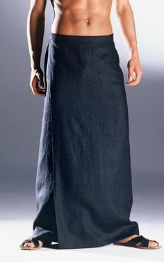 For those of us whose balls don't fit into nipping boring trousers: Long black skirt for men Panama — Anders Landinger