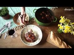 ▶ Recette pour faire un coq au vin traditionnel - YouTube