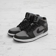 The Air Jordan 1 Phat is available now in Cool Grey.