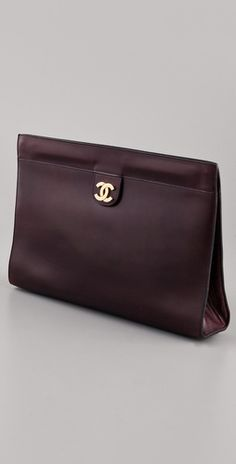 I'm in love with this clutch from #Chanel! <3