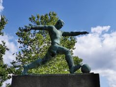 Berlino, Friedrich Ludwig Jahn Sportpark Mario, Football Art, Statue Of Liberty, Garden Sculpture, Berlin, Travel, Outdoor, Statue Of Liberty Facts, Outdoors