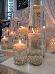 ¿Hay algo más romántico, tradicional y duradero que las perlas? Tienen una versatilidad increíble! Podemos usarlas para absolutamente ¡todo! Las perlas son elegantes y encantadoras por sí mismas, y si las empleas en la decoración son simplemente sensacionales. El uso de las perlas van mucho más allá de la personalización de ropa. Inclúyelas en fiestas, …