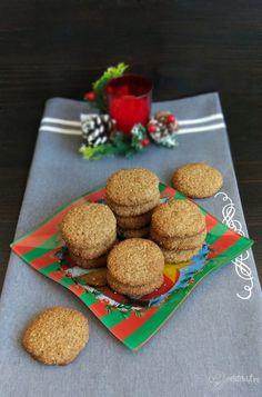 Fursecuri low-carb din făină de cocos și făină de nuci – Rețete LCHF Healthy Sweets, Coco, Biscuits, Goodies, Low Carb, Sugar, Fără Gluten, Snacks, Breakfast