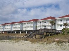 The Islander Inn Hotel Ocean Isle Beach North Carolina, Oak Island North Carolina, Emerald Isle North Carolina, Ocean Isle Beach Nc, North Carolina Hotels, Myrtle Beach Nightlife, Ocean Sounds, Beach Hotels, Resorts
