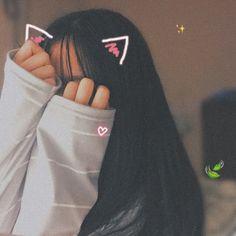 *Jungkook te olha* *ele tira o chocolate* Jk:Toma ai *vc come o chocolate* vc:Obgd! Mode Ulzzang, Ulzzang Korean Girl, Cute Korean Girl, Asian Girl, Cute Girl Photo, Girl Photo Poses, Girl Photography Poses, Girl Poses, Tumbrl Girls