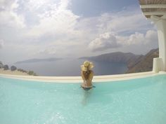 Santorini Travel Guide - Planes, Trains and Champagne