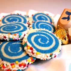 """Dizzy Dreidel"" Spinwheel Cookies. Perfect for a holiday cookie exchange - just sub in xylitol for a healthy treat!"