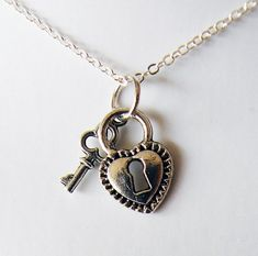 Heart and Key Lock Necklace R5B