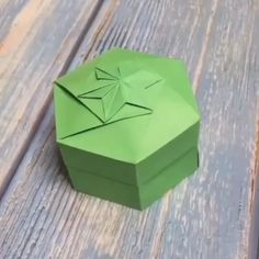 Diy Discover Diy Crafts Make Beautiful Diy Gift Paper Box At Home Diy Gifts Paper, Cool Paper Crafts, Paper Flowers Craft, Paper Crafts Origami, Origami Flowers, Diy Paper Box, Origami Gifts, Paper Gift Box, Fun Crafts