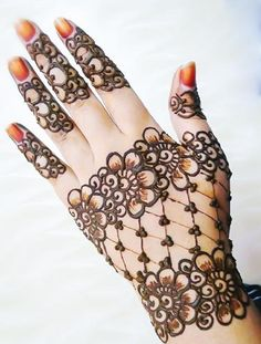 Eid Mehndi Design Dear visitor are you looking for the latest Henna Design 2019 for celebrating Eid ul Fitr. Hena Designs, Latest Henna Designs, Arabic Henna Designs, Eid Mehndi Designs, Eid Mubarak Hd Images, Mehedi Design, Beautiful Mehndi, Best Mehndi, Girls Hand