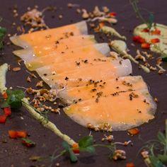 "Flachauerhof in Flachau, Salzburg; Ravioli made out of kohlrabi filled with herb pesto - delivery service called ""oh veggie day"" Salzburg, Vegan Food, Vegan Recipes, Ravioli, Pesto, Veggies, Herbs, Delivery, Restaurant"