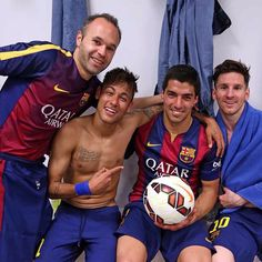 Post-Game: Iniesta (assist to Suarez' first), Neymar and Messi celebrate with Syarez, man of the match with three goals Neymar Jr, Fc Barcelona Neymar, Barcelona Team, Camp Nou, Good Soccer Players, Football Players, Sport Football, Football Troll, Football Jokes