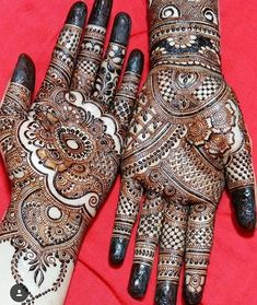 Great thing takes time effort error trials failures hard work and PATIENCE! Gorgeous intricate henna designs Artist Check the page for more designs . Mehendi, Dulhan Mehndi Designs, Bridal Mehndi Designs, Henna Mehndi, Hand Henna, Simple Arabic Mehndi Designs, Back Hand Mehndi Designs, Stylish Mehndi Designs, Beautiful Henna Designs