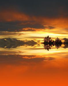 ✯ Fiery, Vibrant Sunset Reflected