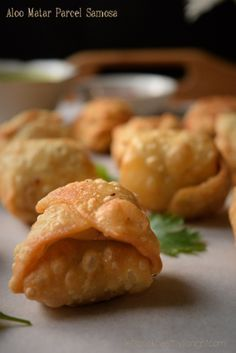 No Indian snack and Chaat party is considered complete without this super delicious and crunchy snack. A samosa is a common snack in countries such as India,Pakistan,Nepal and Bangladesh. It genera…