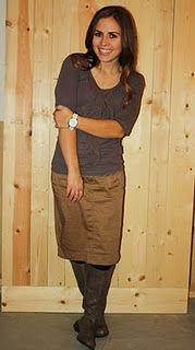 Flat boots + pencil skirt.