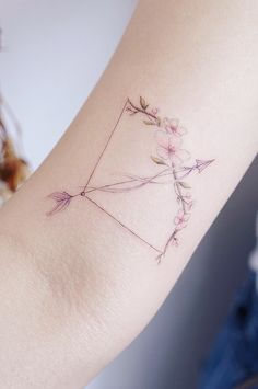 Unique Zodiac Sign Tattoos That You Haven't Seen Anywhere Else. Original and el… Unique Zodiac Sign Tattoos That You Haven't Seen Anywhere Else. Original and elegant ideas for that will inspire both, men and women. Elegant Tattoos, Modern Tattoos, Subtle Tattoos, Delicate Tattoo, Tattoos For Women On Thigh, Arm Tattoos For Guys, Tattoos For Women Classy, Unique Women Tattoos, Sagittarius Tattoo Designs