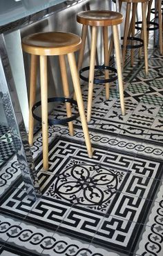 black and white floor tiles - portugese tegels | house ideas