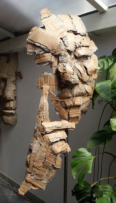 Cardboard Sculpture, Paper Mache Sculpture, Art Sculpture, Cardboard Crafts, Wire Sculptures, Sculpture Projects, Abstract Sculpture, Karton Design, Origami