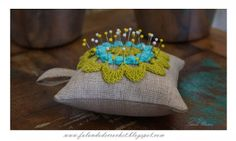 """SPEAKING OF CROCHET"": pincushion crochet FLOWER POPCORN"