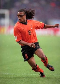 Edgar Davids old school baller!