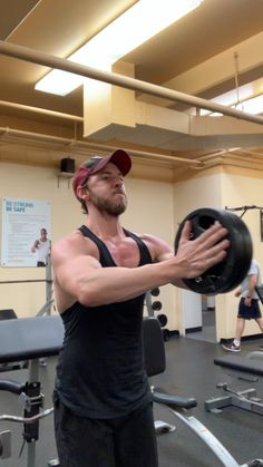 Chest workout at the gym Weight Training Workouts, Fitness Workouts, At Home Workouts, Fitness Tips, Workout Fitness, Fitness Motivation, Chest Workout For Men, Chest Workouts, Extreme Fitness