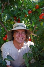 Need help starting an organic vegetable garden? Setting up a composting system? Troubleshooting an existing organic garden?